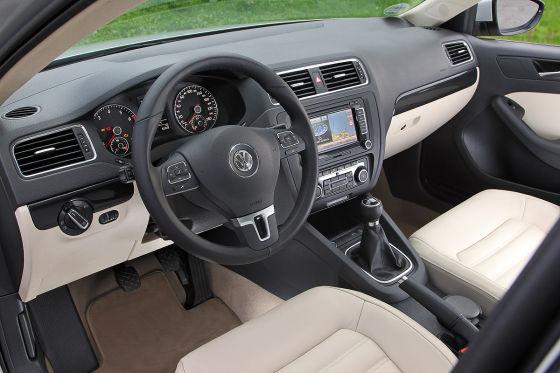 VW-Jetta-2011-1