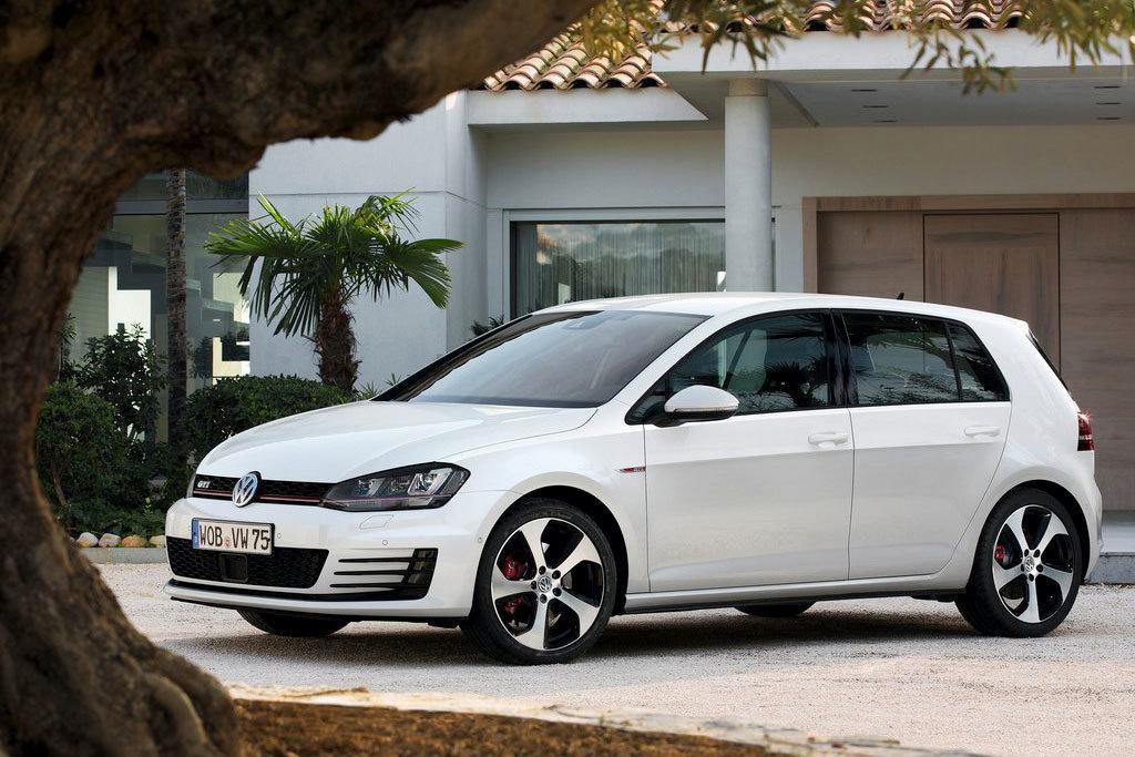 """""""Горячий"""" хэтчбек Volkswagen Golf 7"""